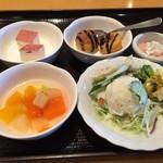 湯快のゆ 門真店 - サラダとスイーツ
