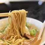 浜田山 - 魚介豚骨味玉らーめんの麺