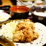 博多もつ鍋 やまや - 鶏の唐揚げ明太子風味定食(\1,000)