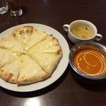 サマナ - チーズナン+野菜カレー+セットスープ