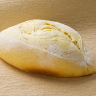 北海道産のこだわり素材の自慢の自家製パンを。