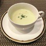 バティチ - バティチランチ 1300円 のサツマイモのクリームスープ