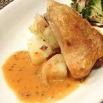 バティチ - バティチランチ 1300円 の鶏モモ肉のコンフィ