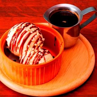 お食事やカフェタイムに。ドリンクテイクアウトも可能です。