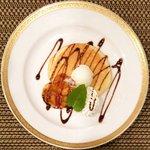 バティチ - Aランチ+デザートセット 1000円 のパンケーキバナナソース