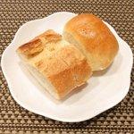バティチ - Aランチ+デザートセット 1000円 のパン