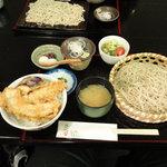 本郷 - 昼定食 えびと野菜の天丼とおそば 840円