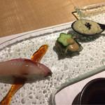 和キッチンしん介 - 先附け(小林のチョウザメ握り、アオサとホッキ貝の煮こごり、トコブシのポタージュ)
