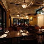 パラッツォ サン グスト - 【2F】丸いランプがオシャレな雰囲気(40席フロア貸切可)