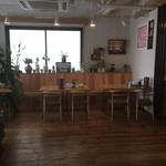 麺屋 龍ダイニング - カフェ風1