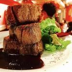 ピンゼ ロカ - 大人気!超低温熟成の牛タンステーキ