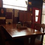 関琳 - テーブル席