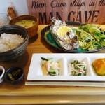 食楽キッチン ぱにぱに - 料理写真:サーモンときのこのホイル焼き850円+コーヒー100円 計950円