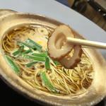 まゆみの店 - まゆみの店(高知県須崎市栄町)鍋焼きラーメン 並