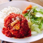 うるとらカフェ - トマトソース煮込みハンバーグ
