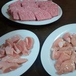 焼肉 たつみ - 料理写真:きれいなお肉の数々・・・(さしなど)