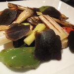 6361870 - 季節野菜のグリルと黒トリュフ
