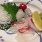 63613306 - 宇和海産  天然鯛  刺身  1200円