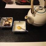 廣東料理 翠雲苑 - ジャスミン茶、食べるラー油