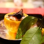にくの匠 三芳 - 帆立サラダ(黒トリュフ、キャビア、ホワイトアスパラ、三宝柑)