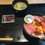 63624543 - 海鮮丼