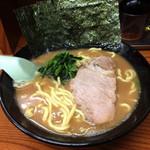 らーめん家せんだい - 料理写真:らーめん(醤油)680円