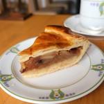 万平ホテル カフェテラス - 伝統のアップルパイ