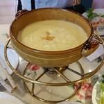 Cannery  Row - メインの「チーズフォンデュ」も美味しい~♪