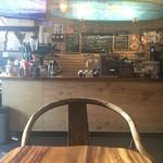 Coffee Shop 831 - おひとりですよ