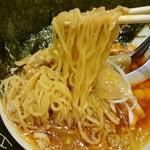日本橋 鳥久 - スープを邪魔しない中細麺