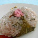 仙太郎 - 桜ぼた餅 ● 259円