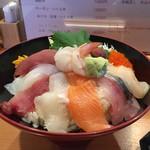 寿司 鮪家 - 海鮮丼1,060円