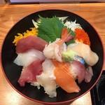 63641430 - 海鮮丼1,060円