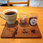 風味絶佳 - 本日のコーヒーの「夏目漱石イメージ」とおやつ