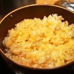 蕎麦とラー油で幸なった。 - 麦飯卵かけご飯