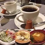 ニューコトブキ - セットのお味噌汁&漬物 食後にコーヒーが付いて来ます