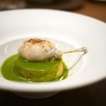 63659215 - カリフラワーのスフォルマティーノ イタリアンパセリとゴルゴンゾーラのソース、網脂で焼いた蛙の腿肉