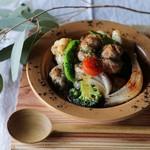 手作り生ソーセージと旬野菜のオイル煮