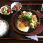 お菜さと味 - 鶏チャン定食