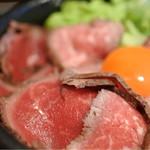 肉タレ屋 - ローストビーフのアップ