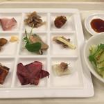 ホテルグリーンプラザ - 料理写真:夕食バイキング1