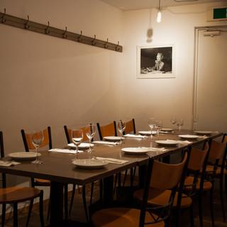 ロフト風中二階、少人数の食事会、飲み会に最適