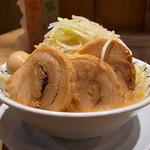 野郎ラーメン - 豚野郎(麺マシ、野菜マシ、味玉)
