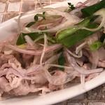 肉びすとろ 熟 - 豚しゃぶとネギのレモンサラダ