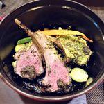 コントワール15 - 仔羊背肉のココット鍋ロースト マスタード香草風味