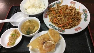 中国料理 金春新館 - 豚肉細切北京風