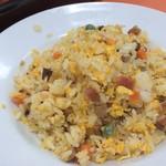 63676050 - 五目炒飯は塩分控えめ薄味、水分多めの仕上がり。家で作る炒飯みたいでした。