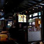 肉が旨いカフェ NICKSTOCK - 内観(席より入口方向)