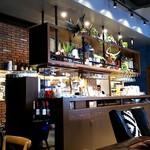 肉が旨いカフェ NICKSTOCK - 内観(厨房前のカウンター)