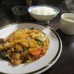 ももたろう - 豚肉と野菜の唐辛子炒め定食